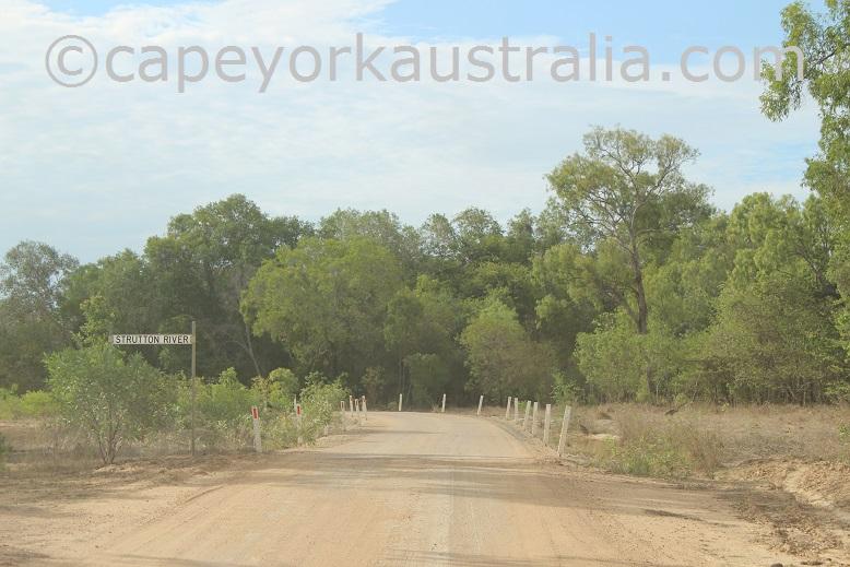 road to kowanyama river
