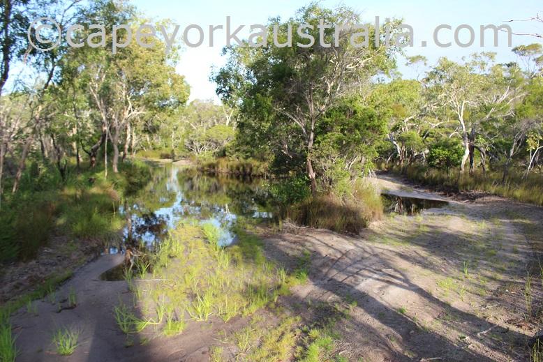 roma flats track second creek crossings