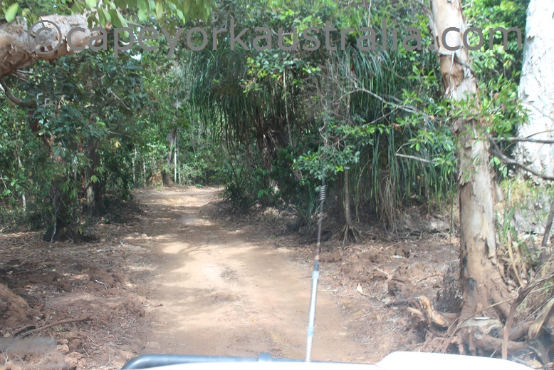 roma flats track third creek dry season