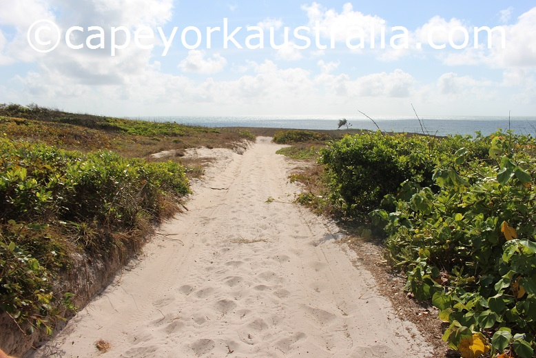 sadd point beach track