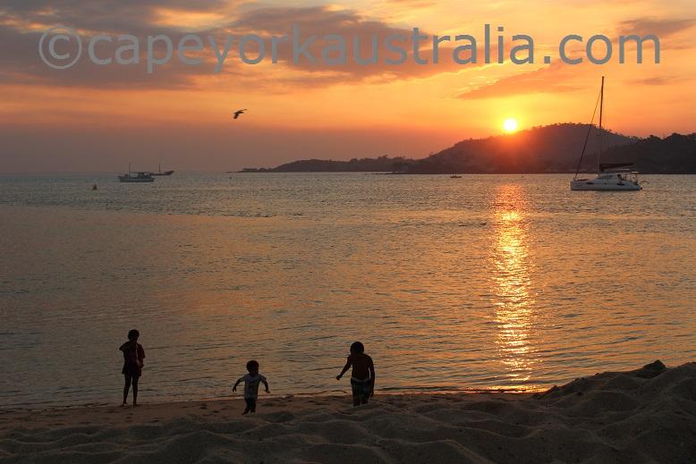 seisia sunset kids playing