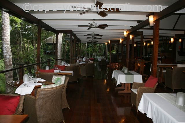 silky oaks lodge restaurant