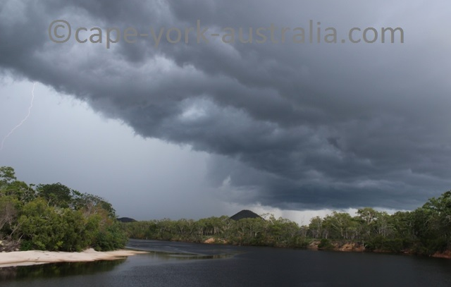 thunder storm cooktown