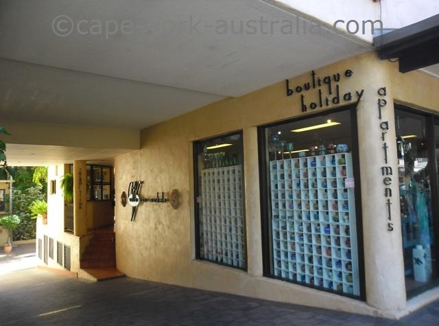 villa san michele apartments port douglas