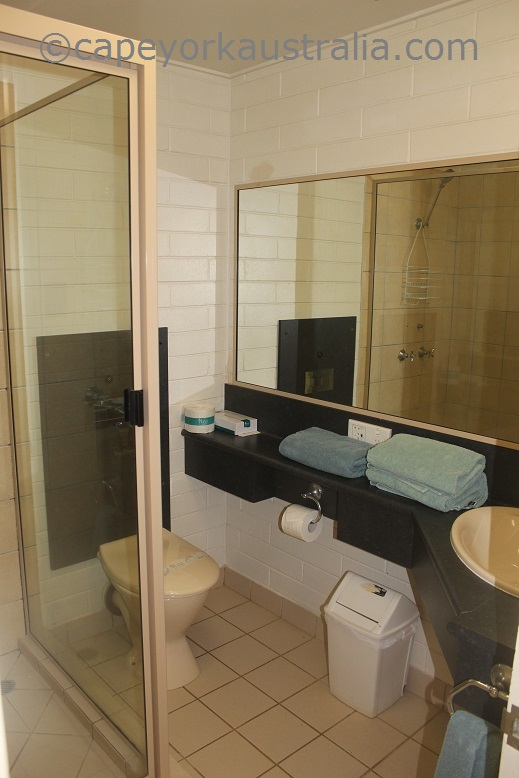weipa hotel bathroom