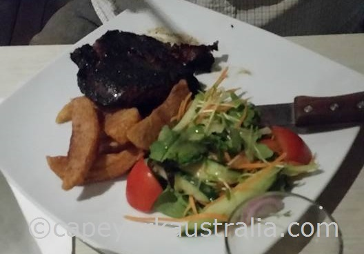 weipa hotel restaurant lunch