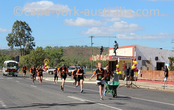 wheelbarrow race dimbulah
